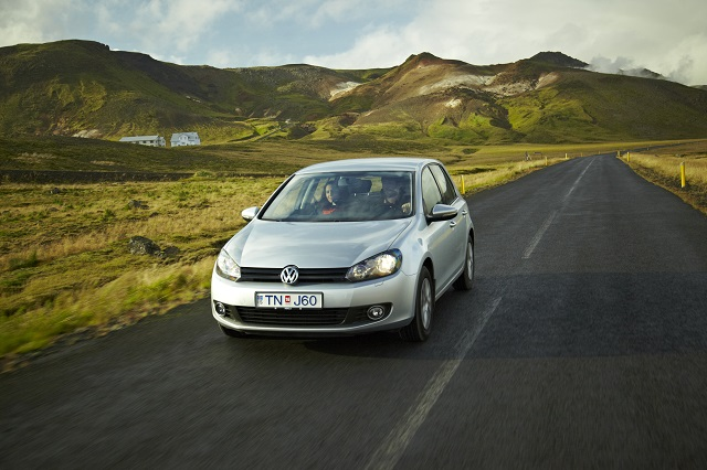 Finding cheapest Iceland car rental company